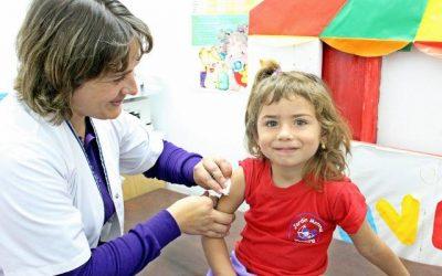 Los pediatras echan en falta las vacunas de meningococo B, Papiloma en niños y rotavirus