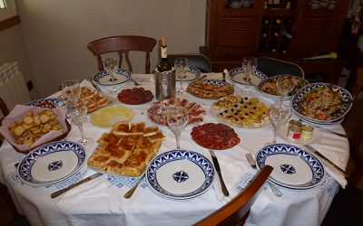 La Navidad es una oportunidad de enseñar a los niños a disfrutar comiendo en familia