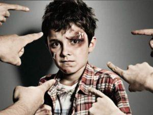Asistencia a menores adolescentes y malos tratos
