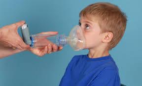 Uso de corticoides orales para las sibilancias en niños pequeños