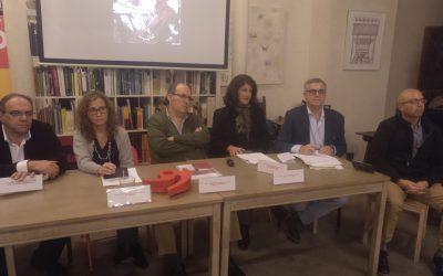 """Celebrada la conferencia """"Los teléfonos móviles y su patología"""" en Sevilla"""
